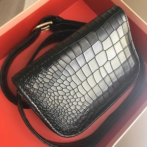 Handbags - Alligator pattern belt bag 🐊